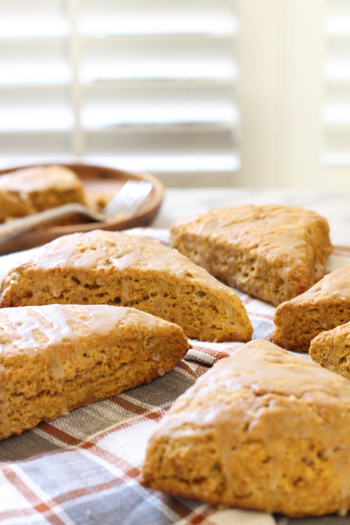 Pumpkin Maple Spelt Scones - vegan and made with coconut oil