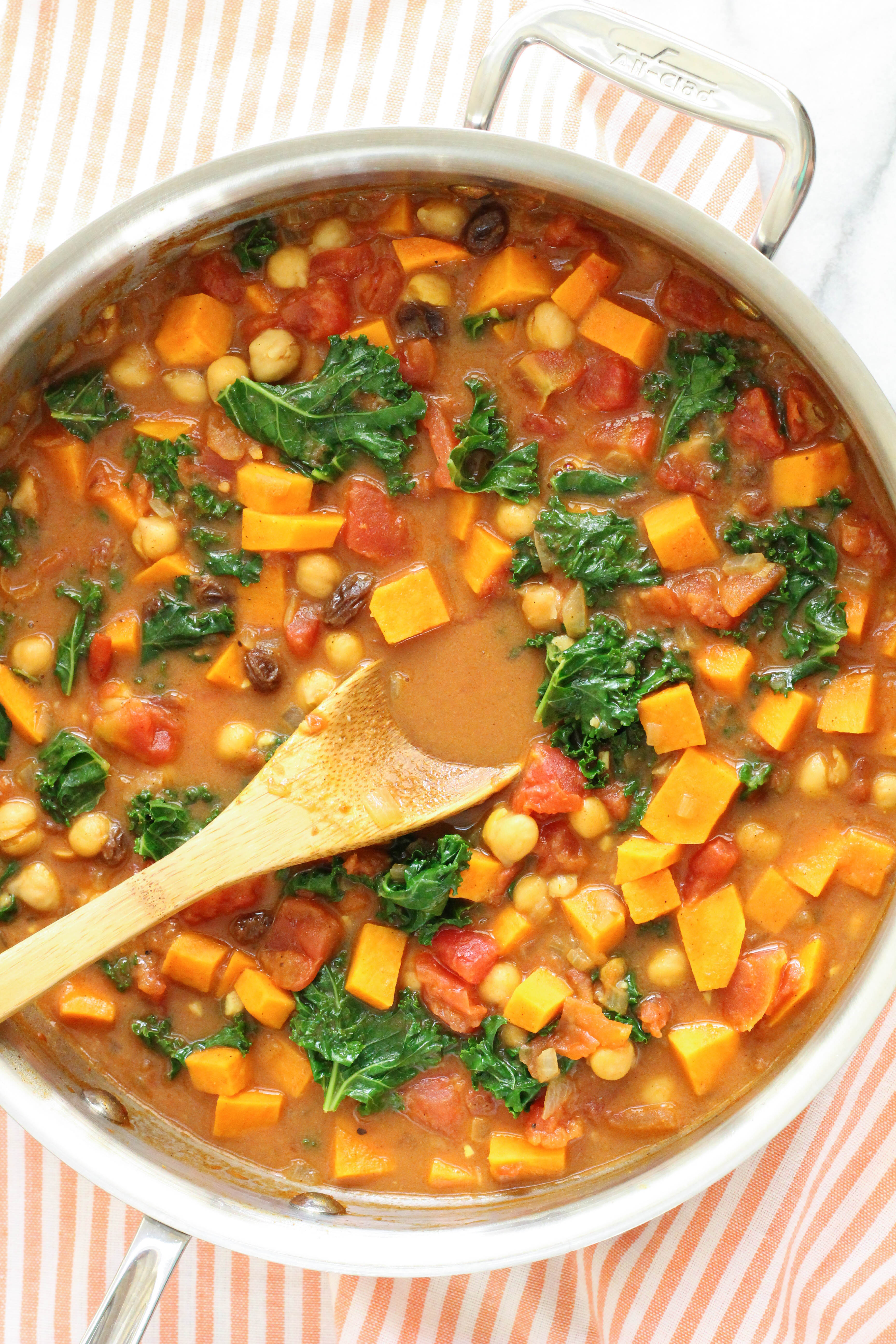 sweet potato chickpea curry soup