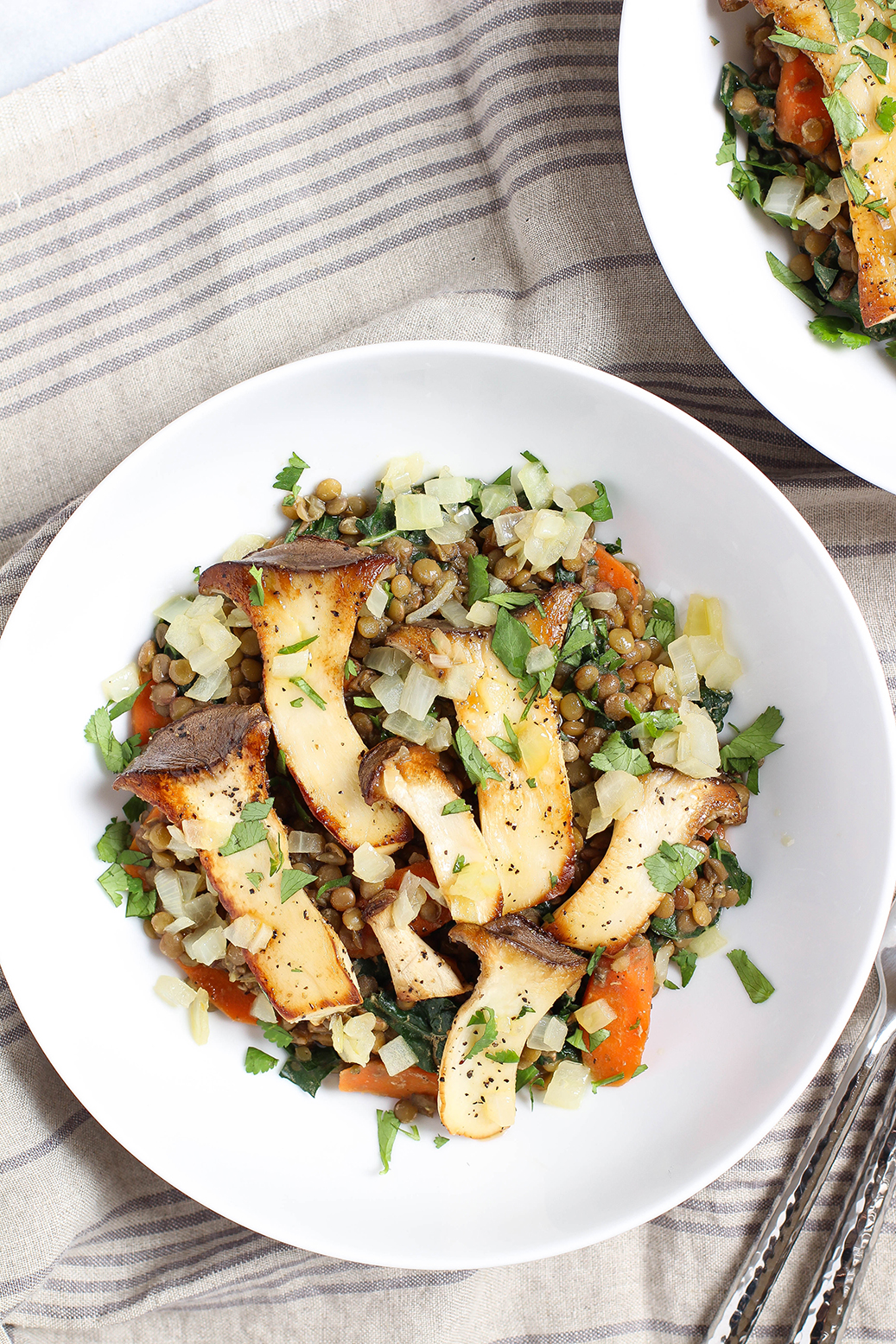 Vegan & gluten free - Trumpet mushrooms with herbed lentils & apple cider vinegar sauce